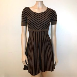 Boden Size 4P Short Sleeve Striped Sweater Dress